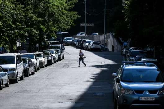 Парковка дороже в 3,5 раза. В Киеве устроили атаку на водителей-1200x800