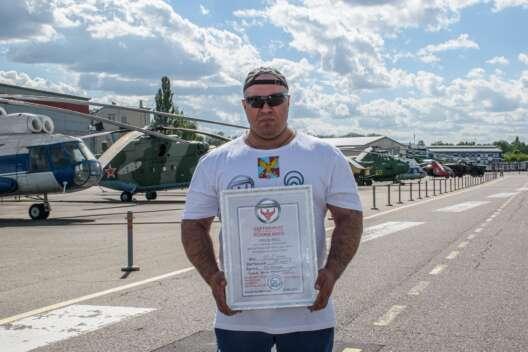 Русский Халк из Киева Агаджанян: Готов идти в Госдуму по примеру Вирастюка-1200x800