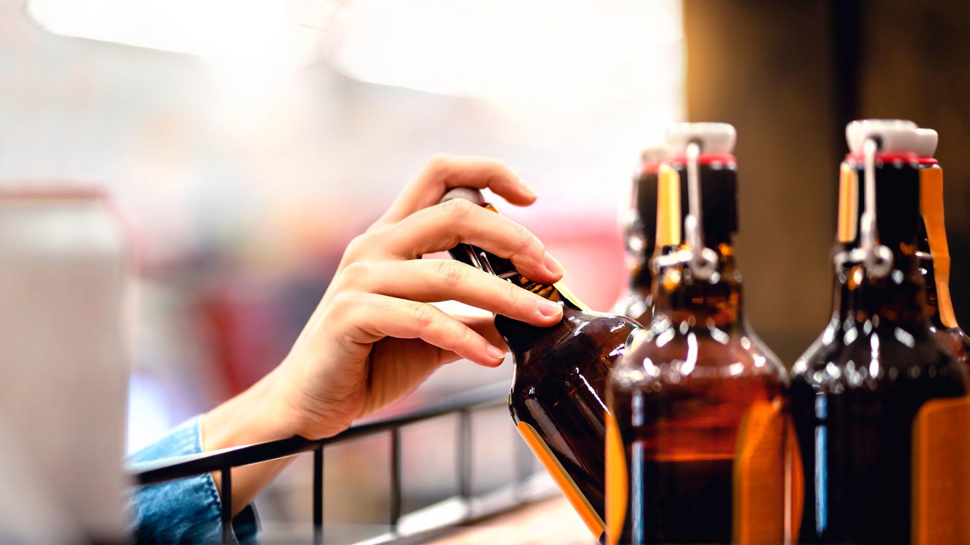 В одном из магазинов Одессы произошла драка из-за бутылки коньяка - видео