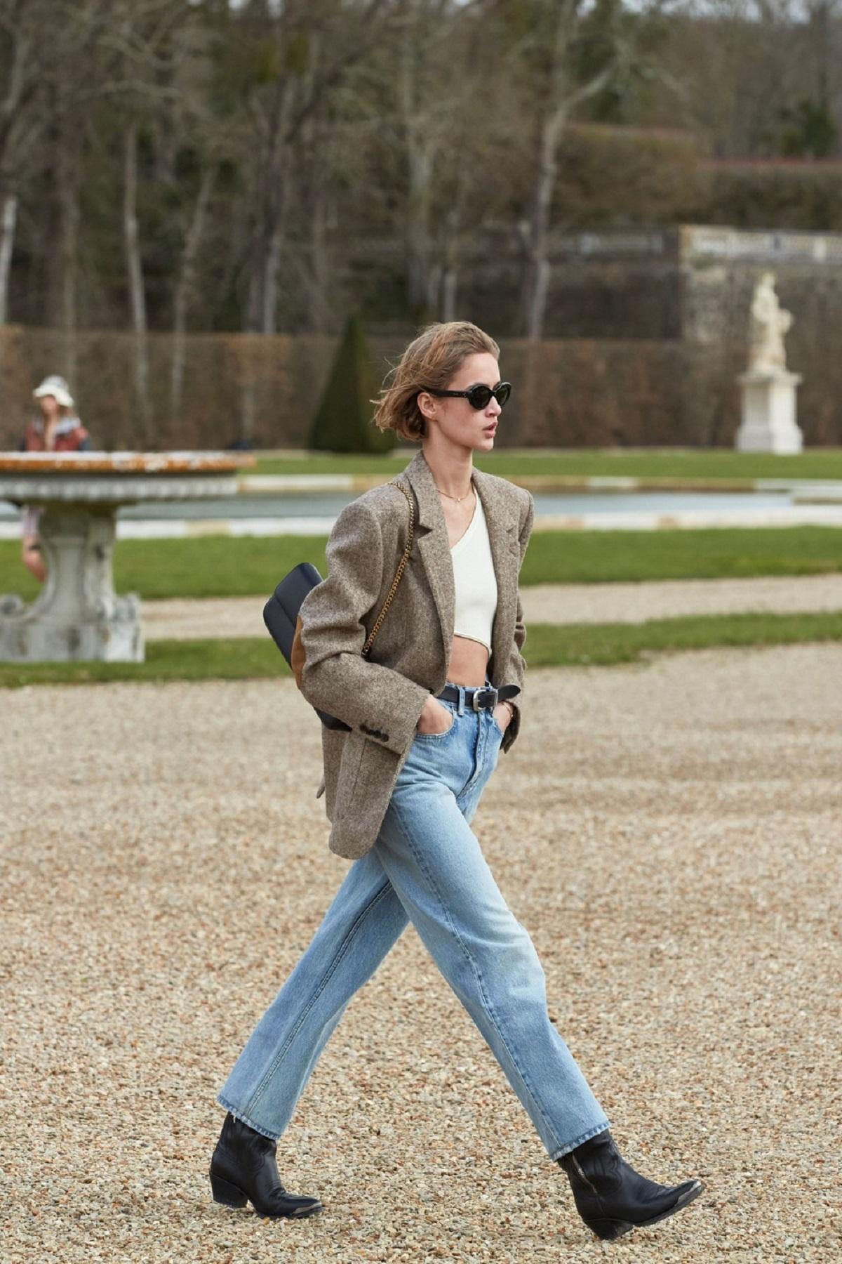 Топ модных джинсов на осень 2021 - фото 1