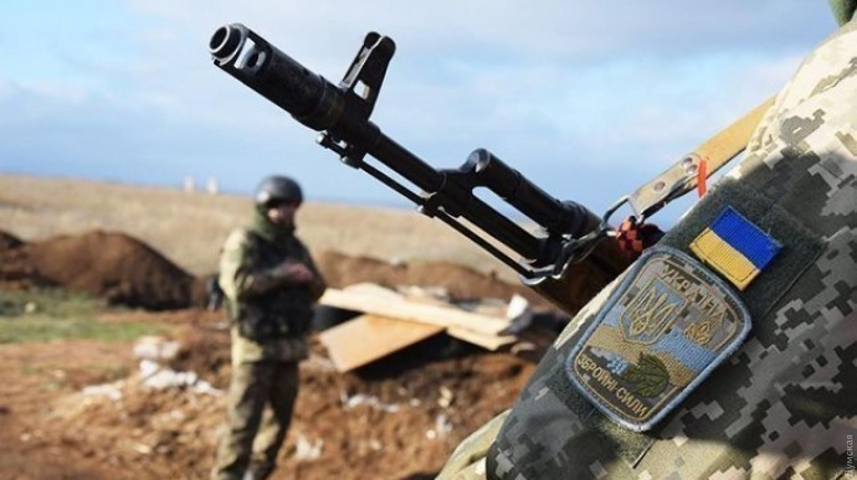 На Донбассе ранен украинский военнослужащий