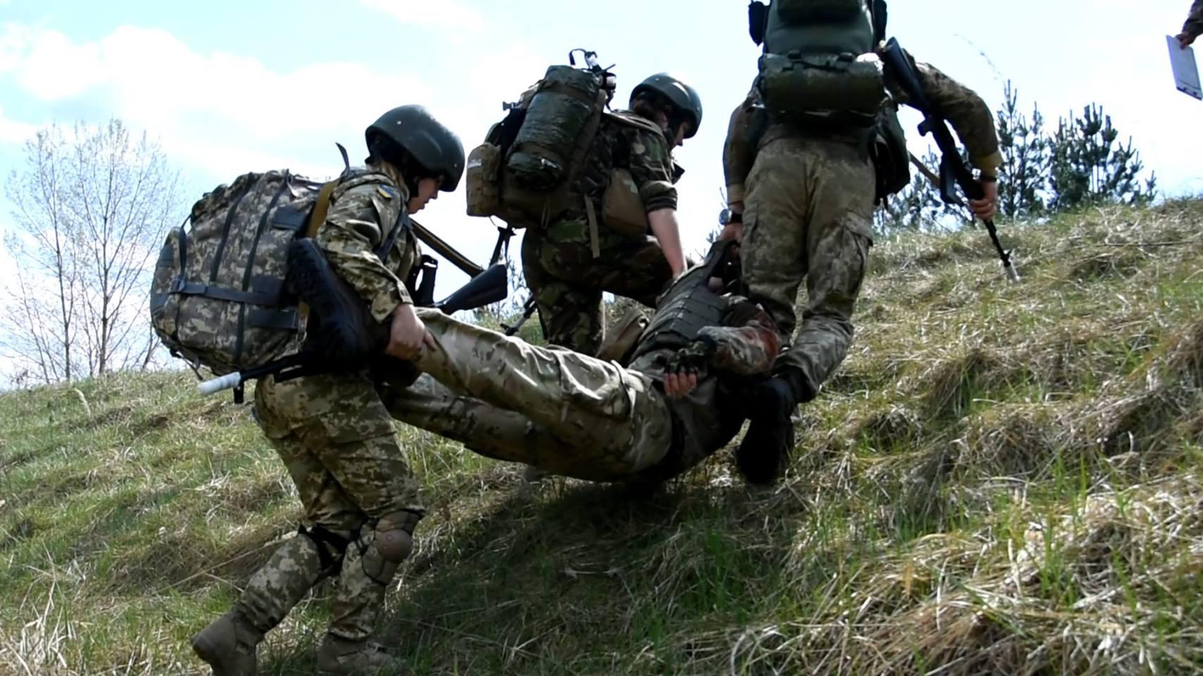 На Донбассе вновь ранен украинский военный