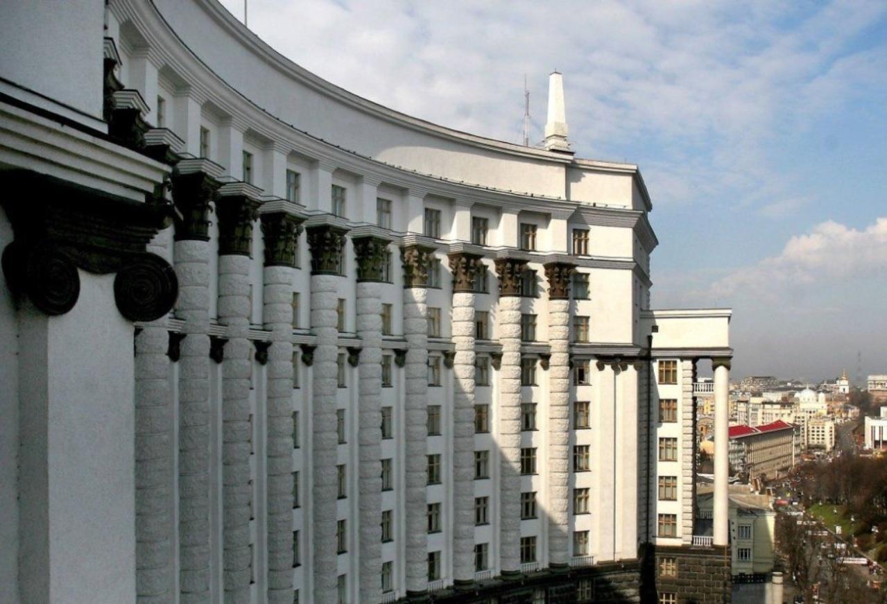 """Новый бюджет, доплаты пенсионерам, """"евробляхи"""" и ГАСИ: что решил Кабмин"""
