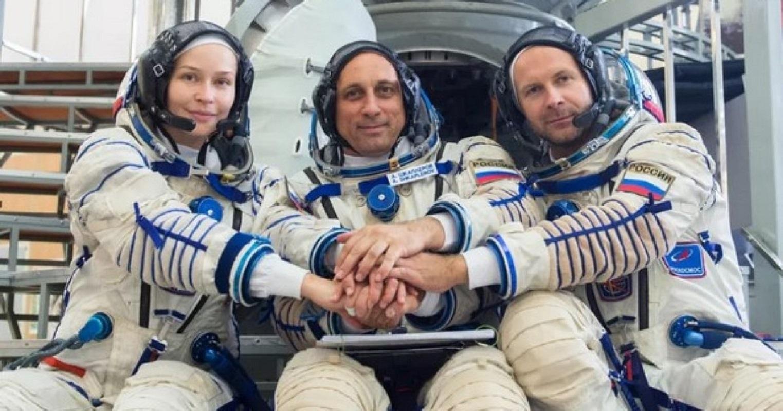 Первый в мире киноэкипаж отправили в космос – видео - фото 3