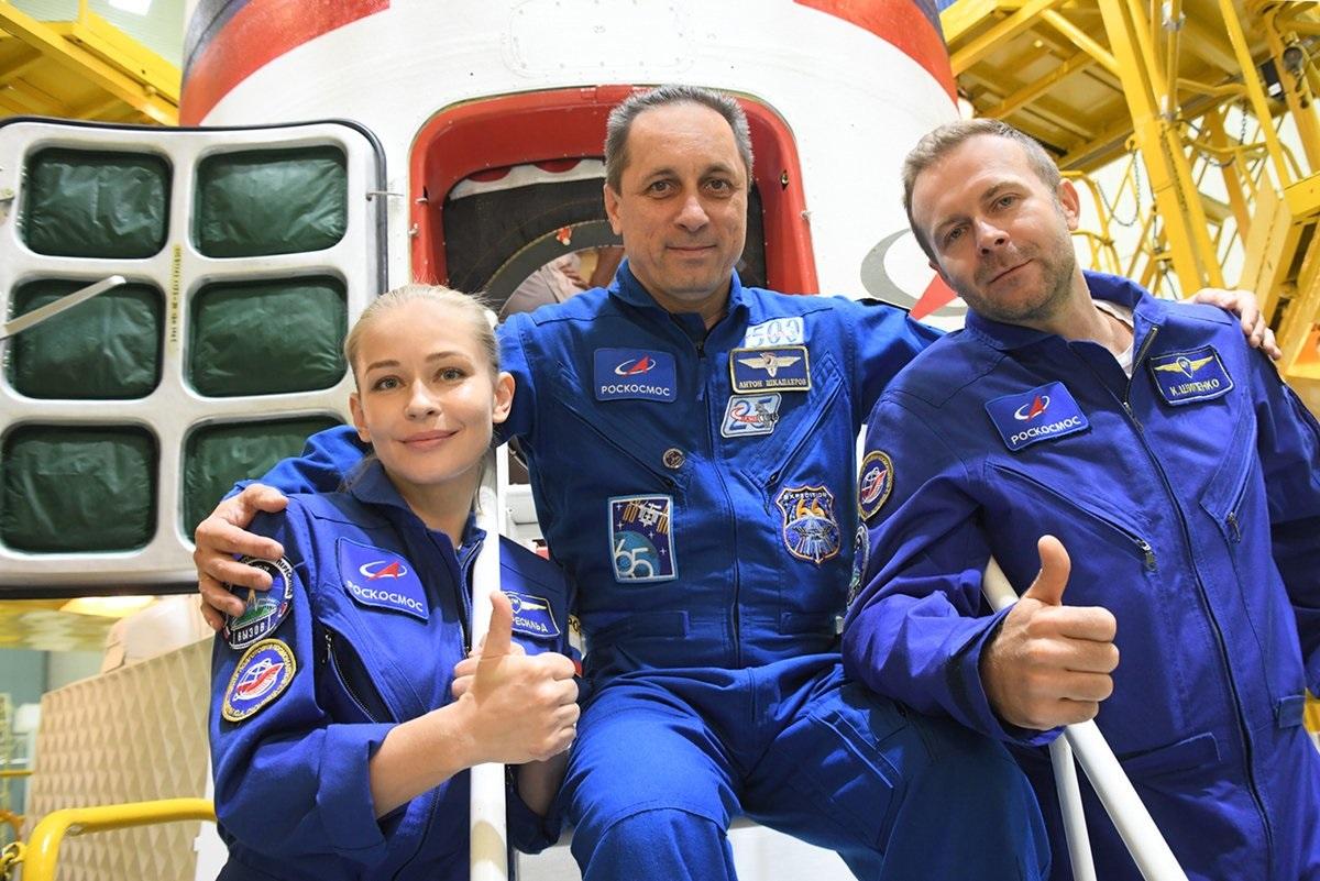 Первый в мире киноэкипаж отправили в космос – видео - фото 5